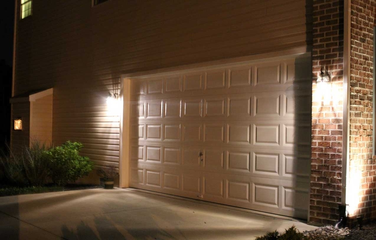 2018 Outdoor Garage Lanterns Within 2018 Popular Outdoor Wall Garage Lights (View 2 of 20)