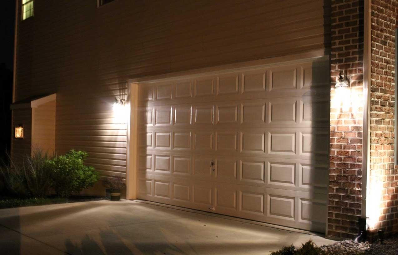 2018 Outdoor Garage Lanterns Within 2018 Popular Outdoor Wall Garage Lights (View 7 of 20)