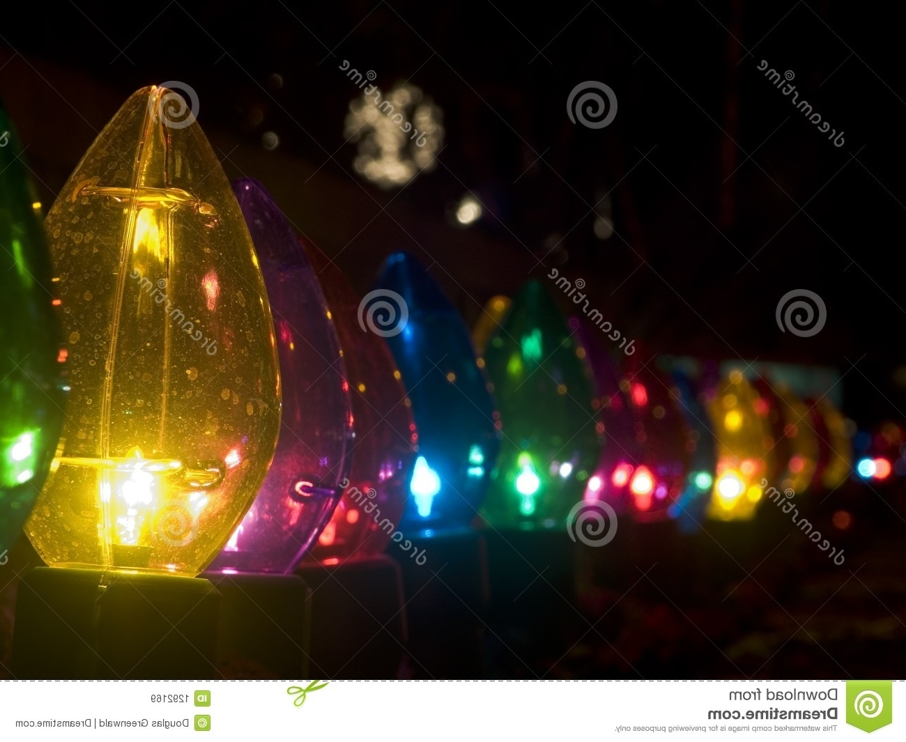 2019 Outdoor Lanterns For Christmas For Large Christmas Outdoor Lights (View 2 of 20)