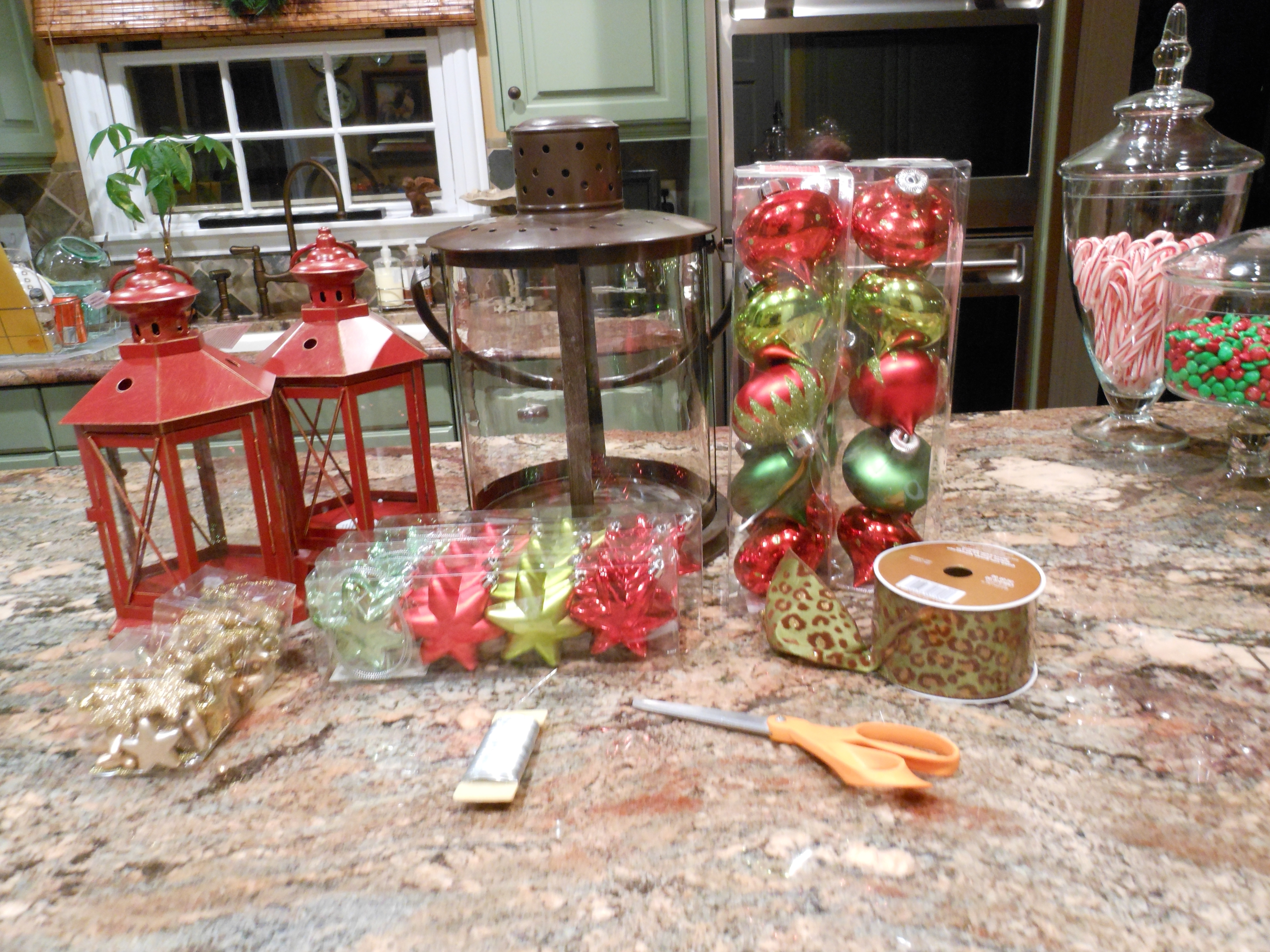 2019 Red Outdoor Table Lanterns With Regard To Outdoor Decor (View 2 of 20)