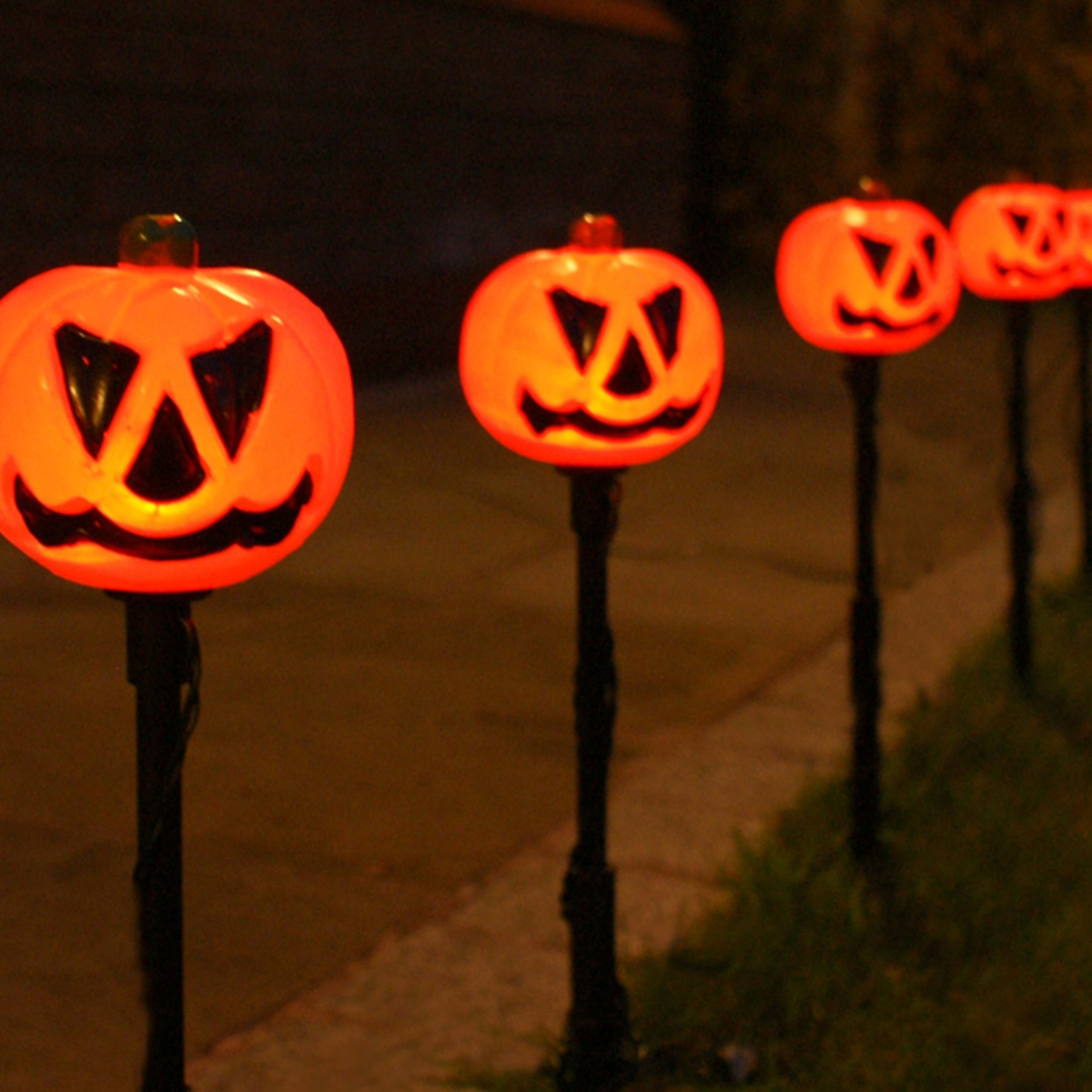 5 Outdoor Halloween Pumpkin Stake Lights, Orange Leds Pertaining To Newest Outdoor Pumpkin Lanterns (Gallery 5 of 20)