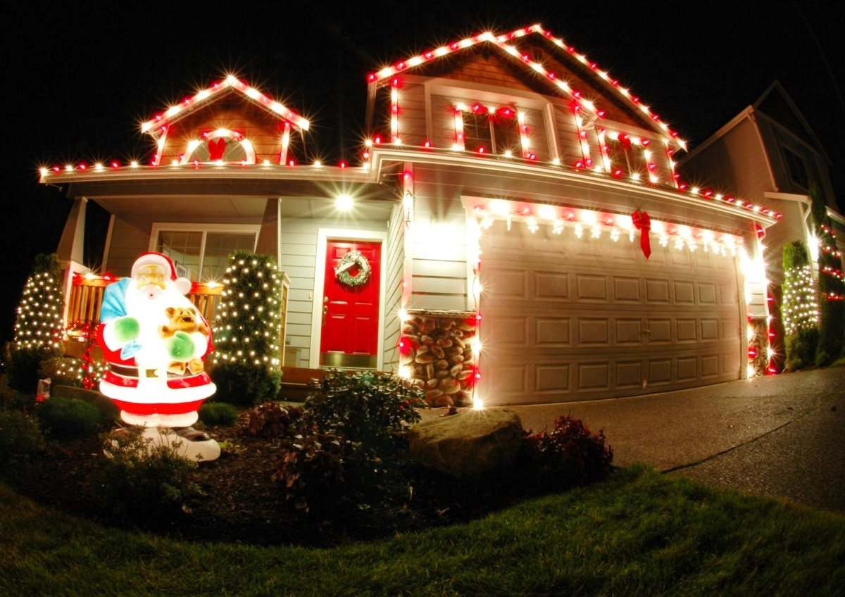 50 Best Outdoor Christmas Decorations For 2018 With Regard To Most Recently Released Outdoor Lanterns For Christmas (Gallery 1 of 20)
