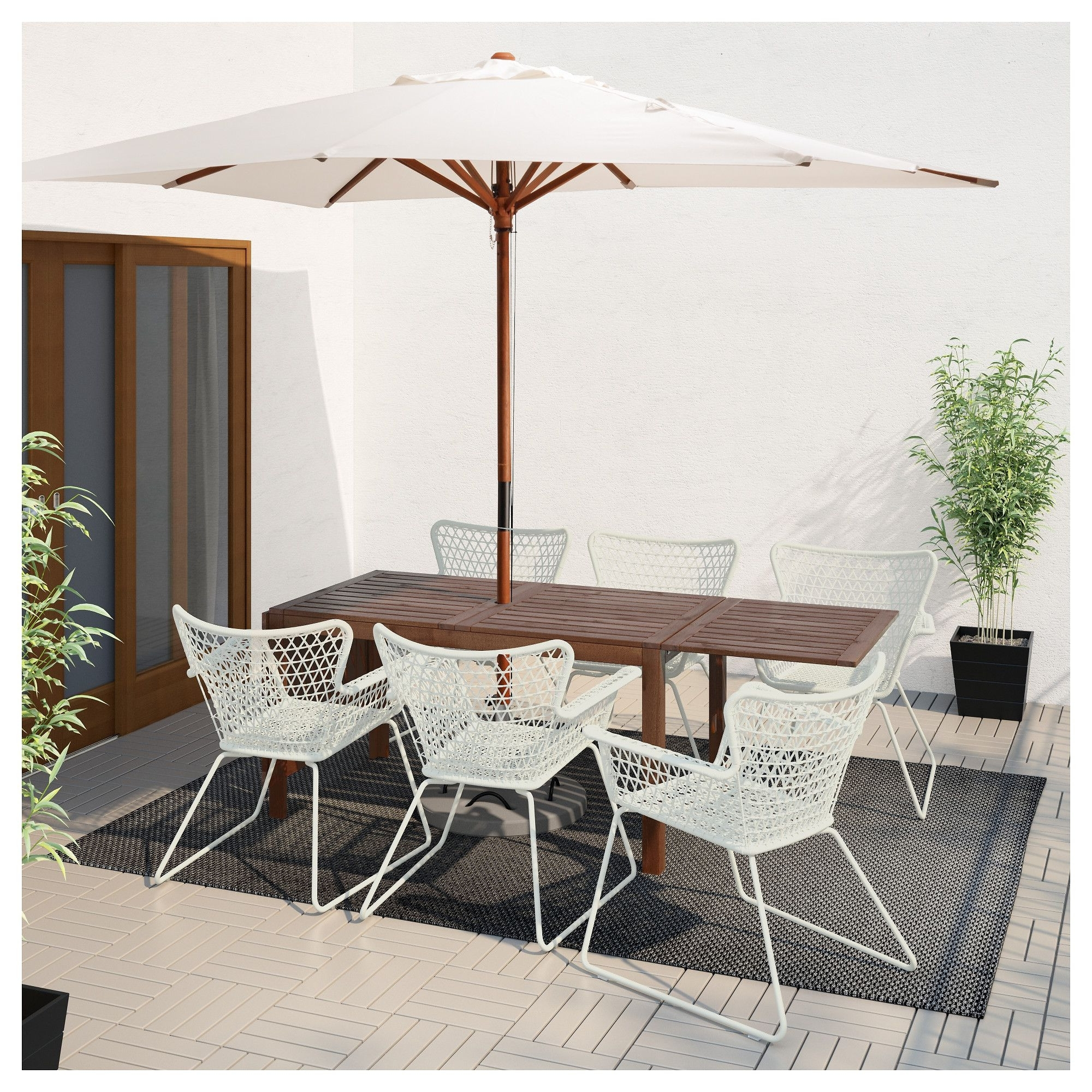Commercial Outdoor Umbrellas Elegant Best For High Wind Areas This Intended For Fashionable Patio Umbrellas For High Wind Areas (View 3 of 20)