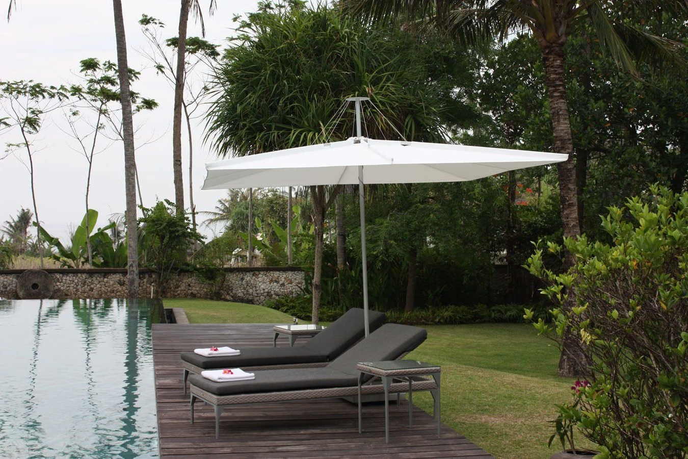 Commercial Patio Umbrella / Metal / Wind Resistant – Infinadirk With Well Liked Wind Resistant Patio Umbrellas (View 1 of 20)
