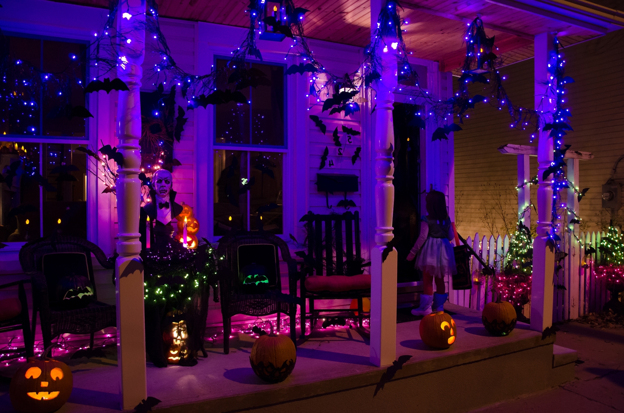 Featured Photo of Outdoor Halloween Lanterns