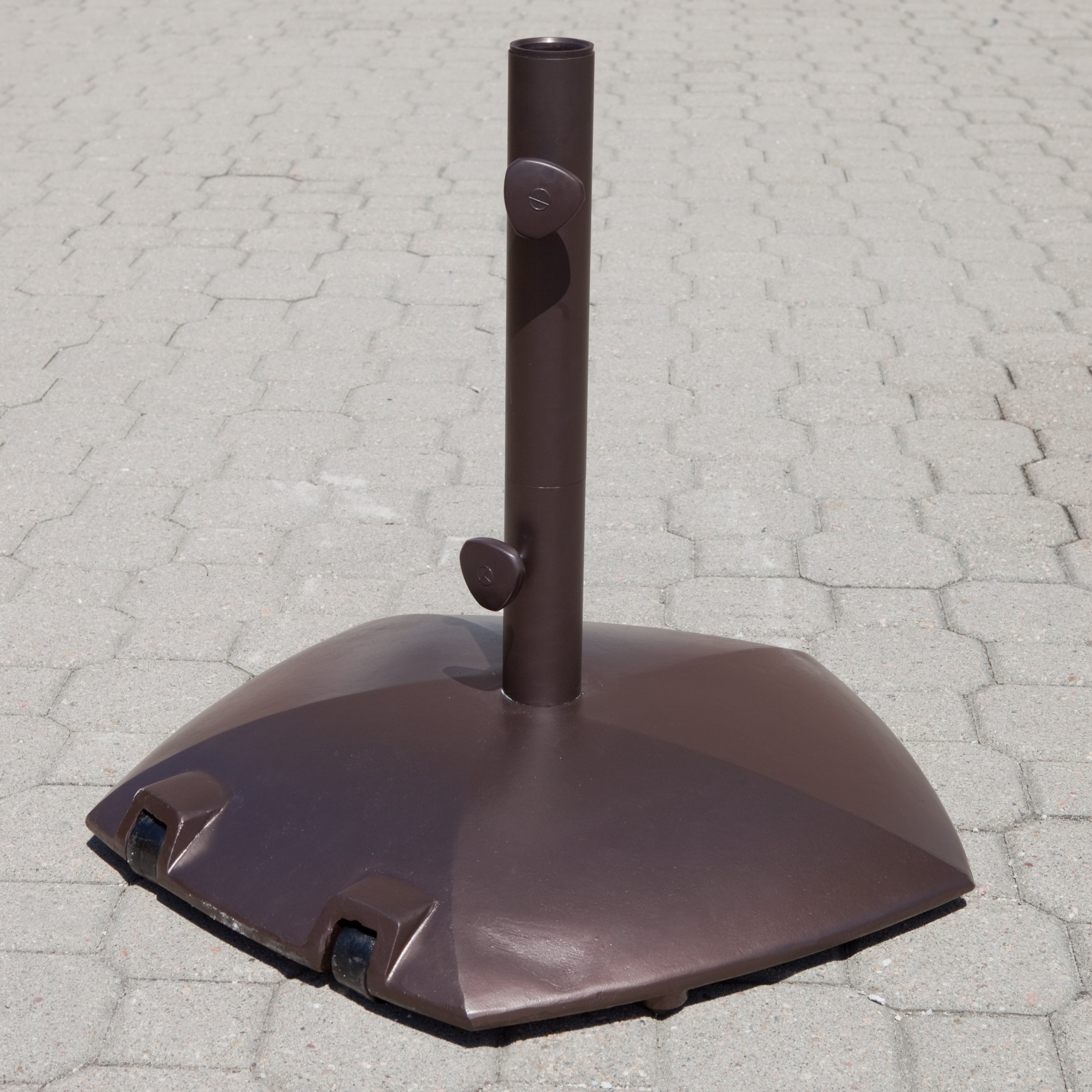 Coolest Patio Umbrella Stands With Wheels F11x On Creative Home Inside Widely Used Patio Umbrella Stands With Wheels (View 8 of 20)