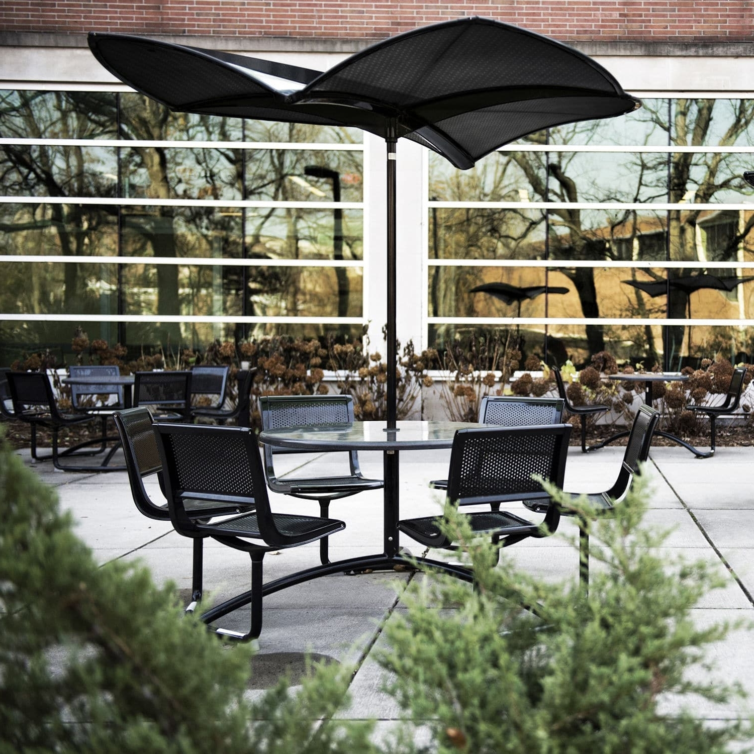 Fashionable Commercial Patio Umbrellas For Commercial Patio Umbrella / Metal – 35 : Shadefrog (View 11 of 20)