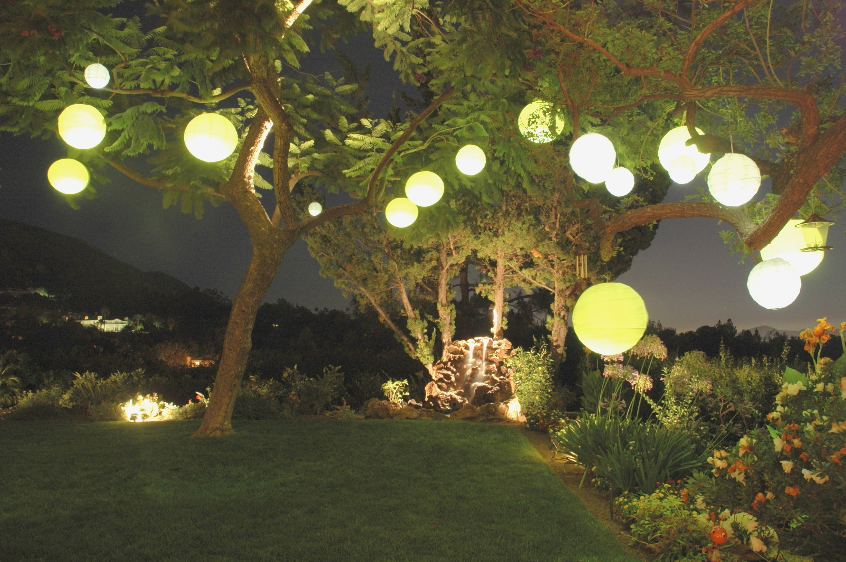 Fashionable Outdoor Chinese Lanterns For Patio In Outdoor Chinese Lantern String Lights – Outdoor Designs – Plastic (Gallery 4 of 20)