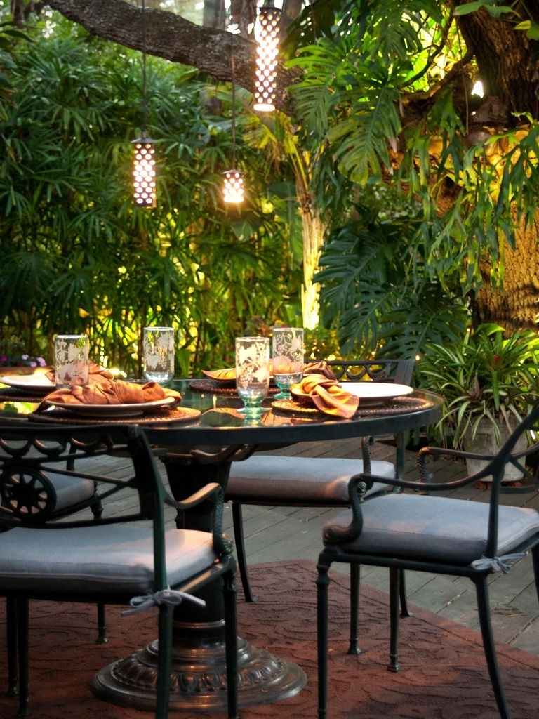 Fashionable Outdoor Dining Lanterns Throughout Stylish Outdoor Dining Room Design Ideas (View 5 of 20)