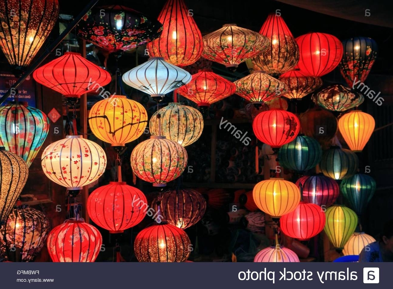Fashionable Outdoor Vietnamese Lanterns With Traditional Silk And Bamboo Lanterns For Sale In Hoi An, Vietnam (View 9 of 20)