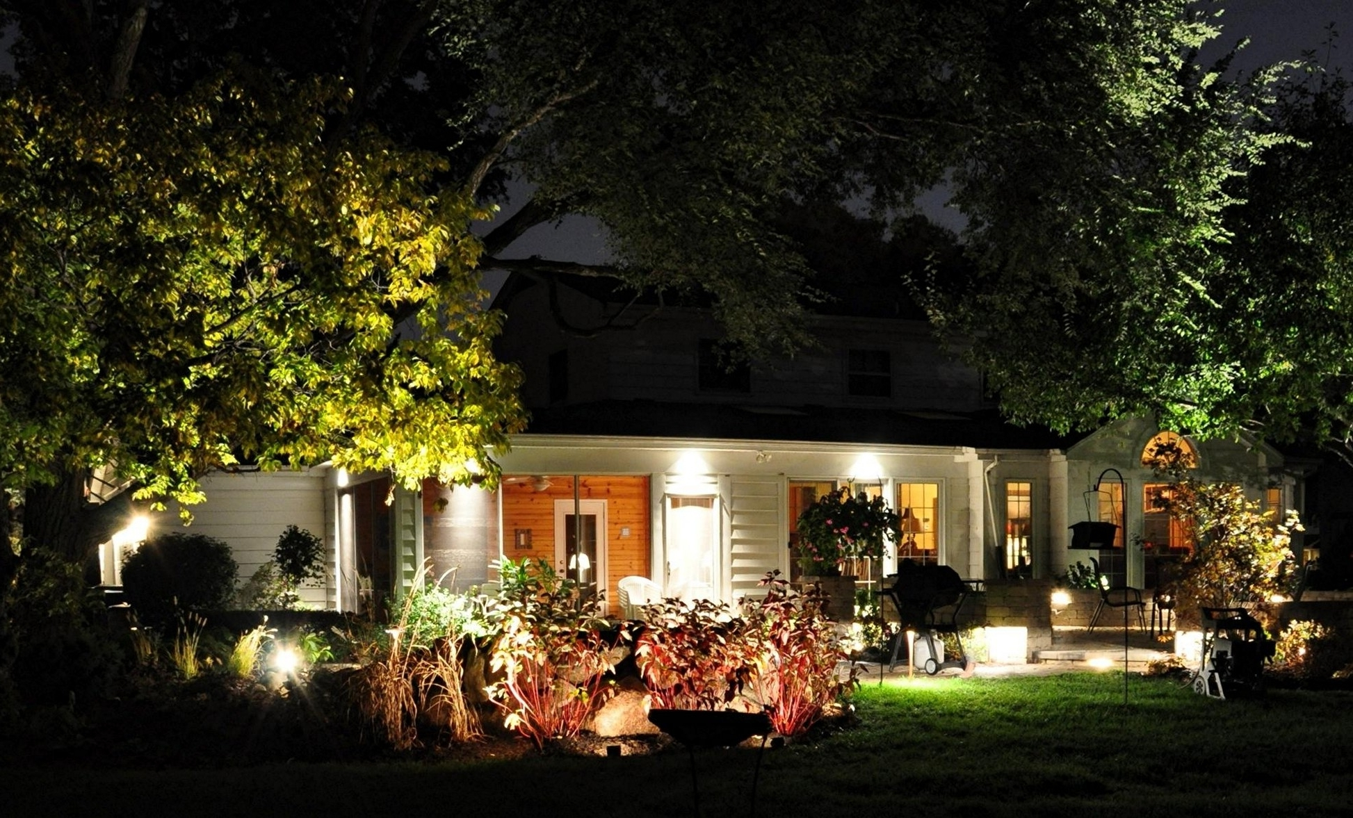 Favorite Outdoor Lighting Ideas For Front Of House Intended For Outdoor Yard Lanterns (View 13 of 20)