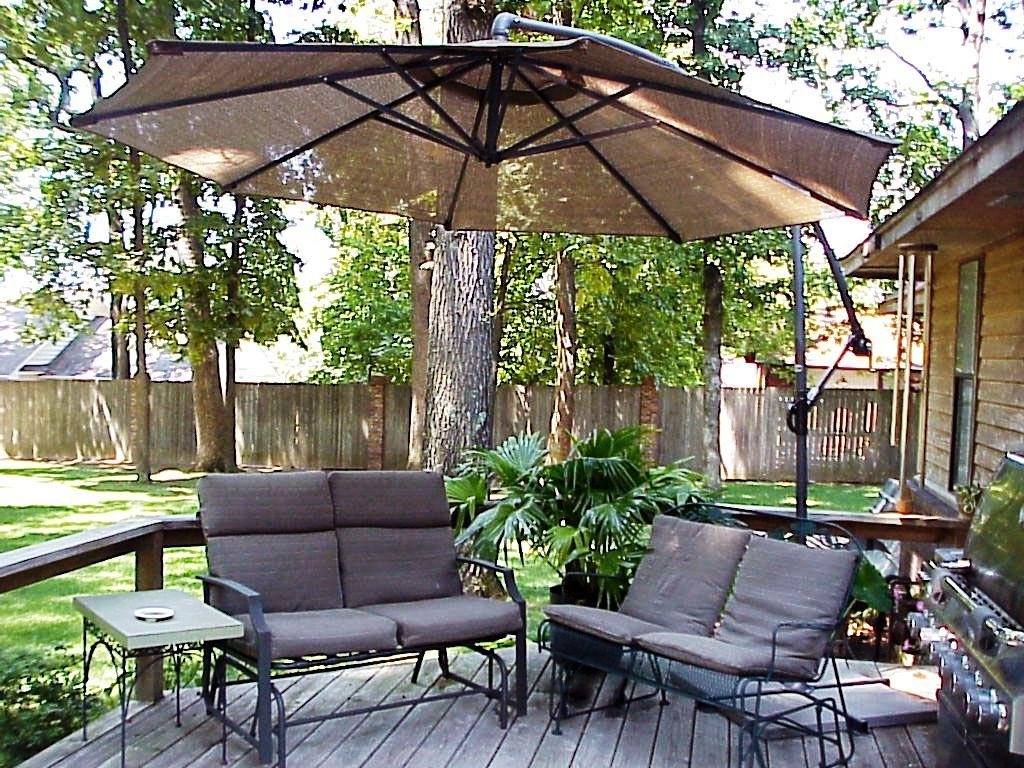 Furniture: Costco Cantilever Umbrella For Most Dramatic Shade With Regard To Popular Sunbrella Patio Umbrellas At Costco (View 5 of 20)
