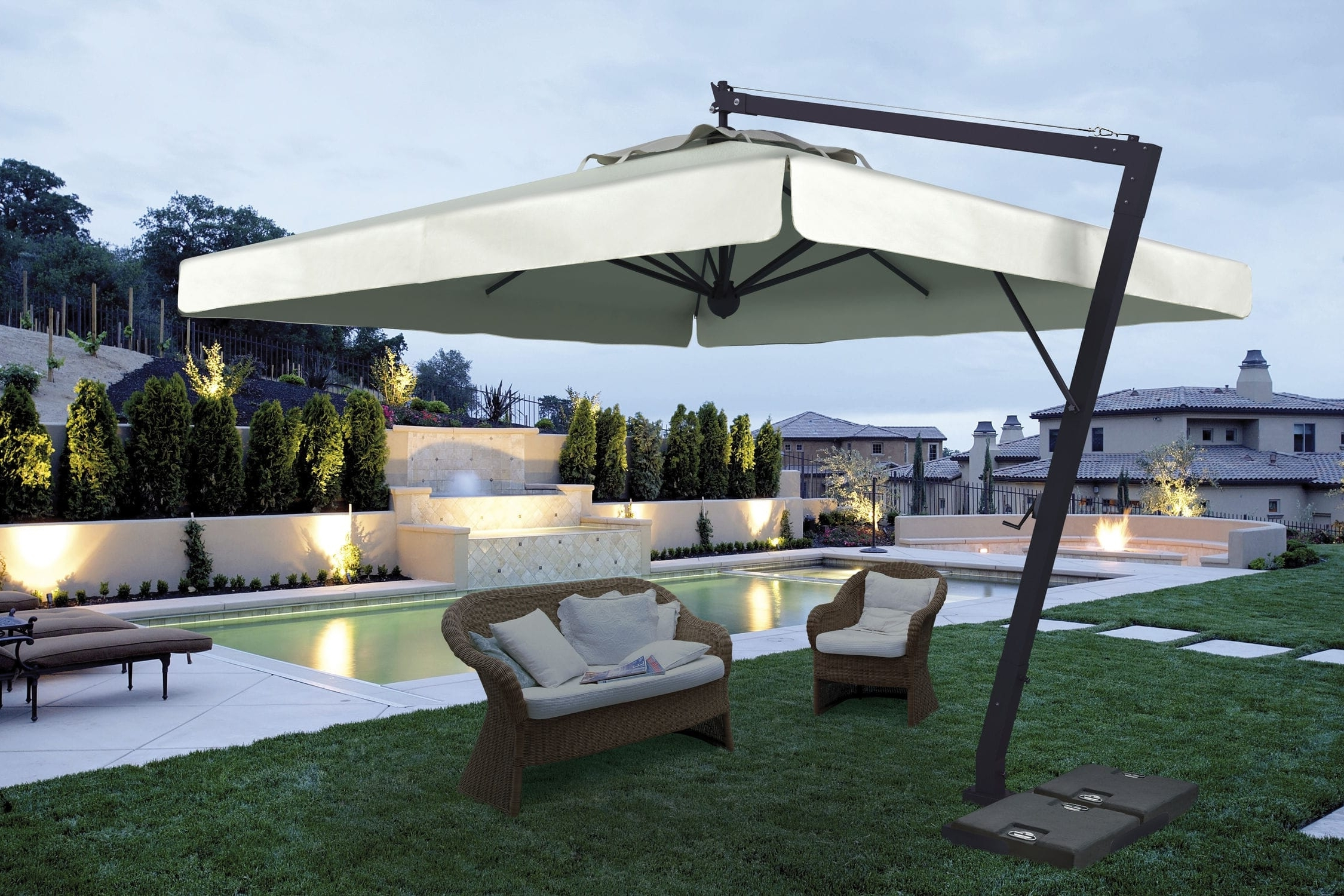 Giant Patio Umbrellas Throughout Well Known Offset Patio Umbrella Commercial Aluminum Steel Leonardo (Gallery 4 of 20)