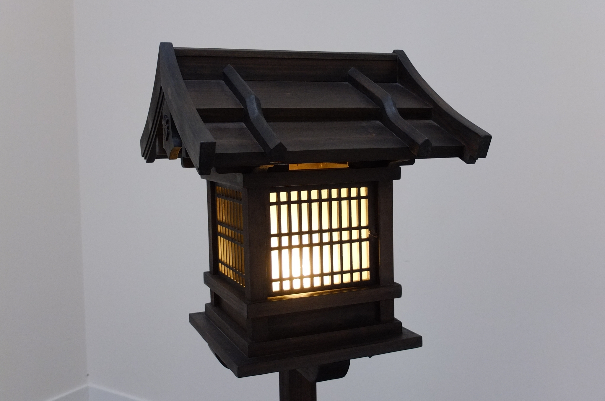 Japanese Wooden Lantern, Outdoor (Wl2) – Eastern Classics Pertaining To Best And Newest Outdoor Lamp Lanterns (View 6 of 20)