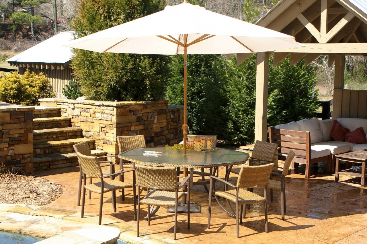 Most Current Patio: Awesome Umbrella Patio Set Frontgate Outdoor Furniture Pertaining To Patio Dining Sets With Umbrellas (View 8 of 20)