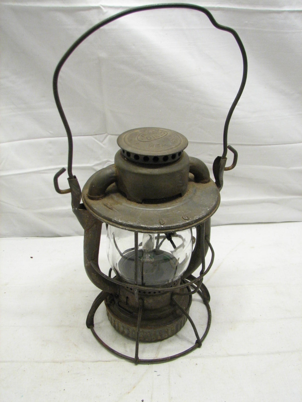 Most Popular Antique Lvrr Lehigh Valley Railroad Lantern Dietz Vesta Electrified Regarding Outdoor Railroad Lanterns (View 6 of 20)