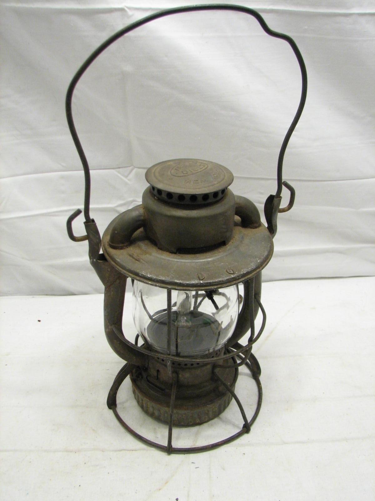 Most Popular Antique Lvrr Lehigh Valley Railroad Lantern Dietz Vesta Electrified Regarding Outdoor Railroad Lanterns (View 14 of 20)