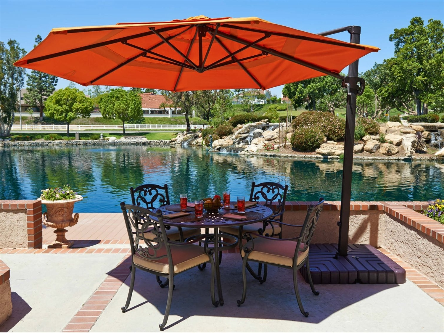 Most Popular The 5 Best Patio Umbrellas 2018 – Any Online Games Inside Patio Umbrellas For High Wind Areas (View 3 of 20)
