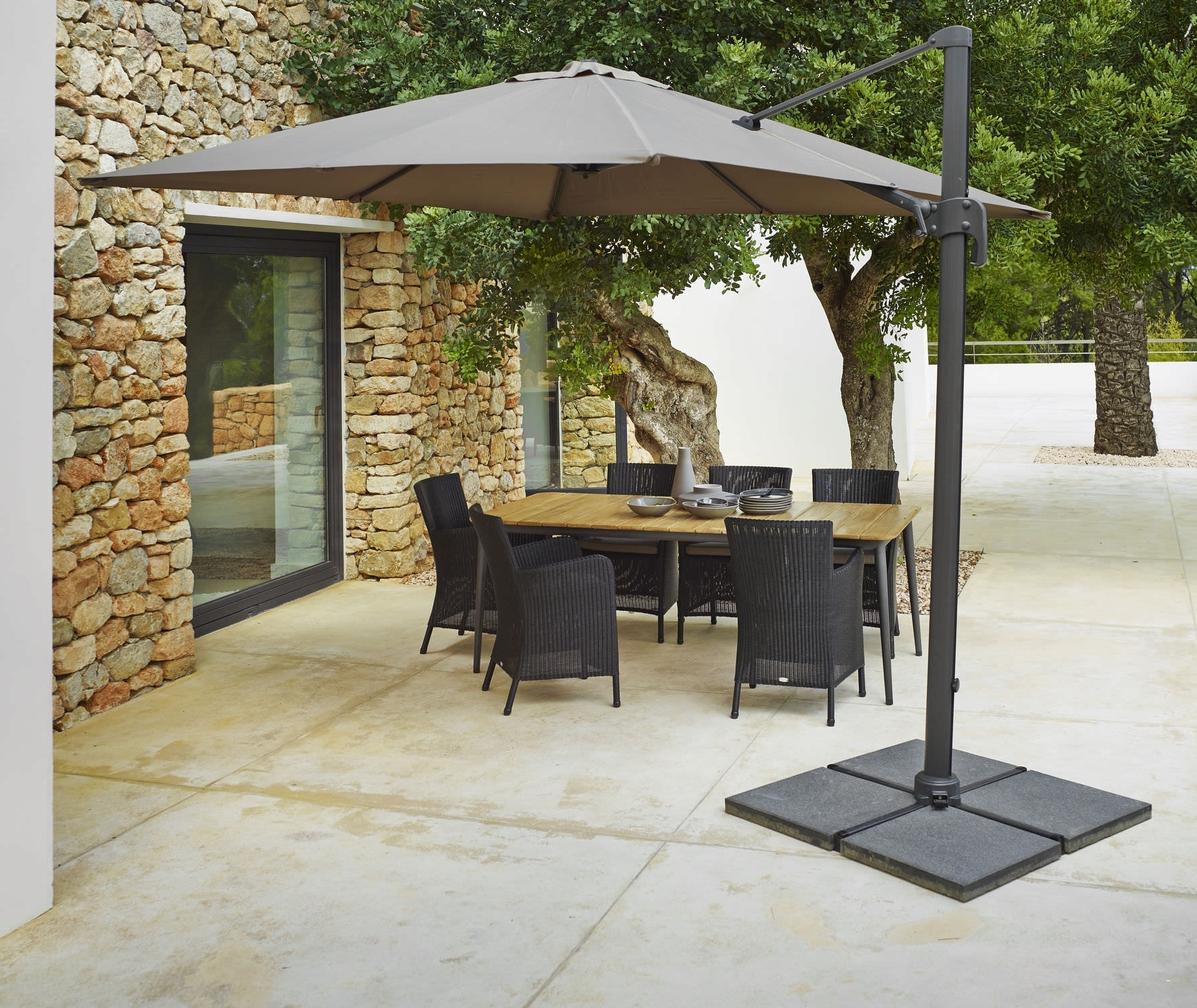 Featured Photo of Offset Rectangular Patio Umbrellas