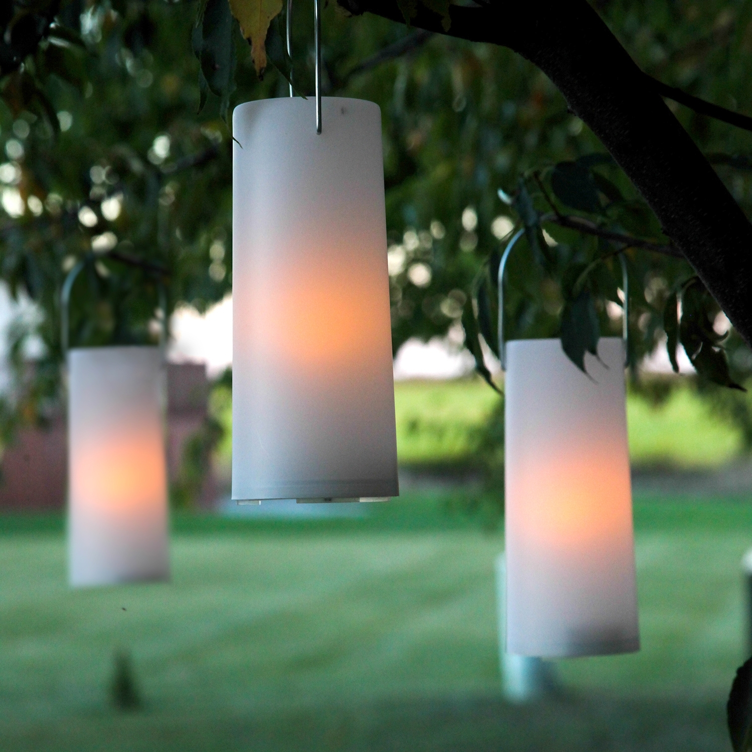 Outdoor Candle Lanterns #11331 Pertaining To Favorite Outdoor Lanterns With Battery Operated (View 11 of 20)