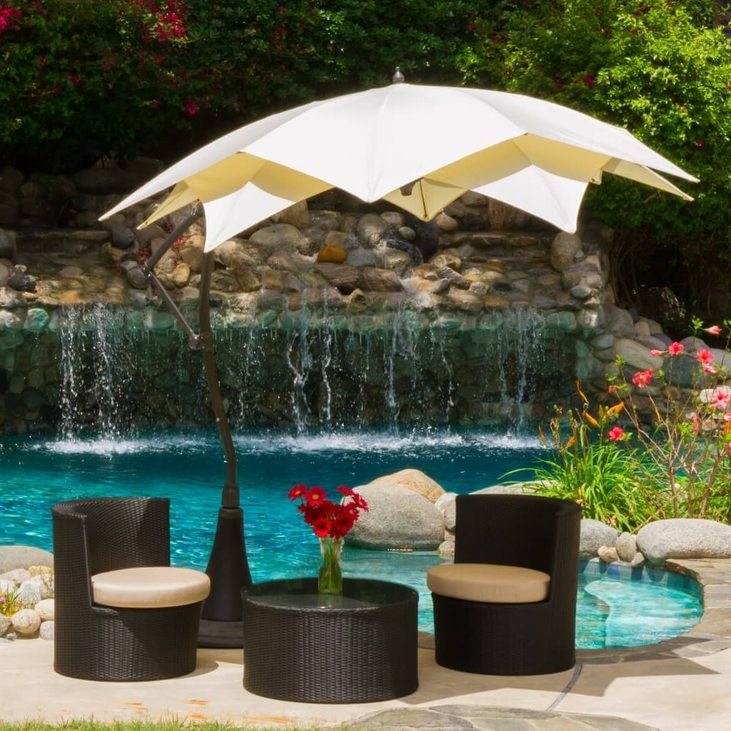 Outdoor & Garden: Modern White Octagonal Patio Cantilever Umbrella With Most Popular Lowes Patio Umbrellas (View 18 of 20)
