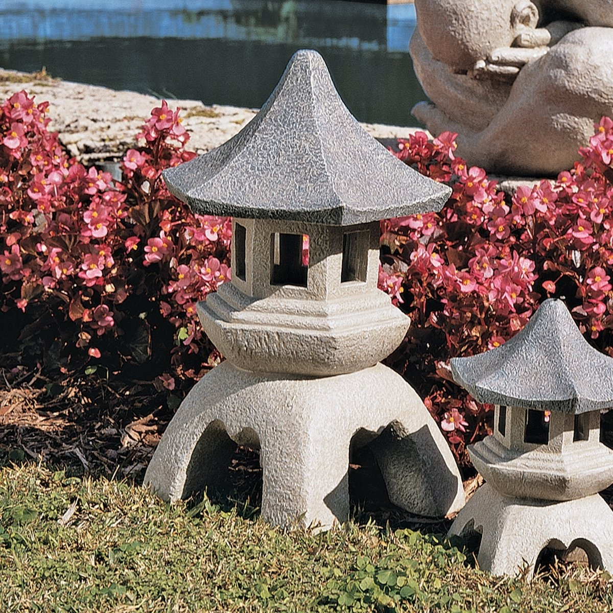 Outdoor Japanese Lanterns For Sale Within Best And Newest 4 Cheap Outdoor Japanese Garden Lanterns For Sale – Homelilys Decor (View 12 of 20)