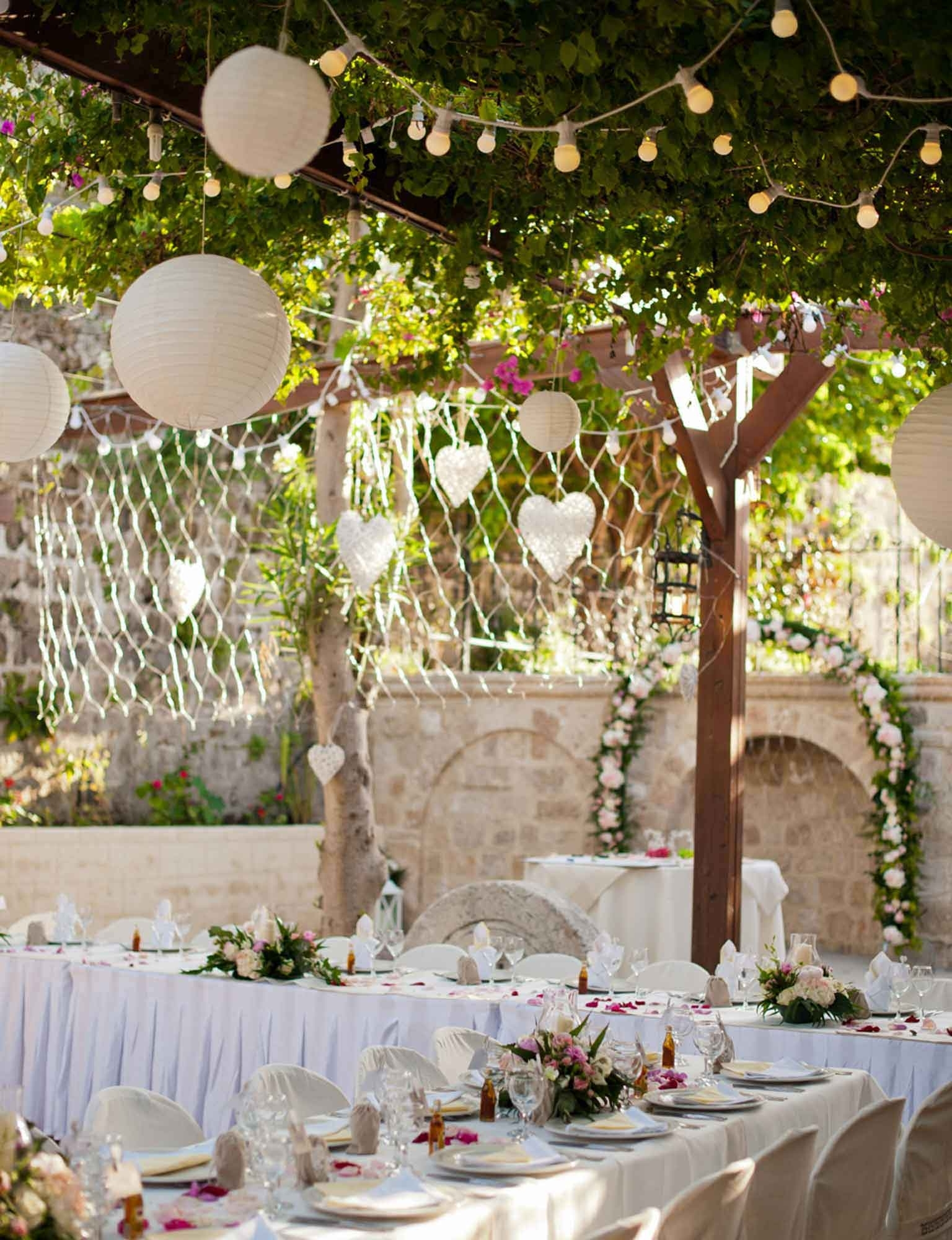 Outdoor Lanterns For Wedding Inside Most Current Alfresco Wedding Light Ideas (View 8 of 20)