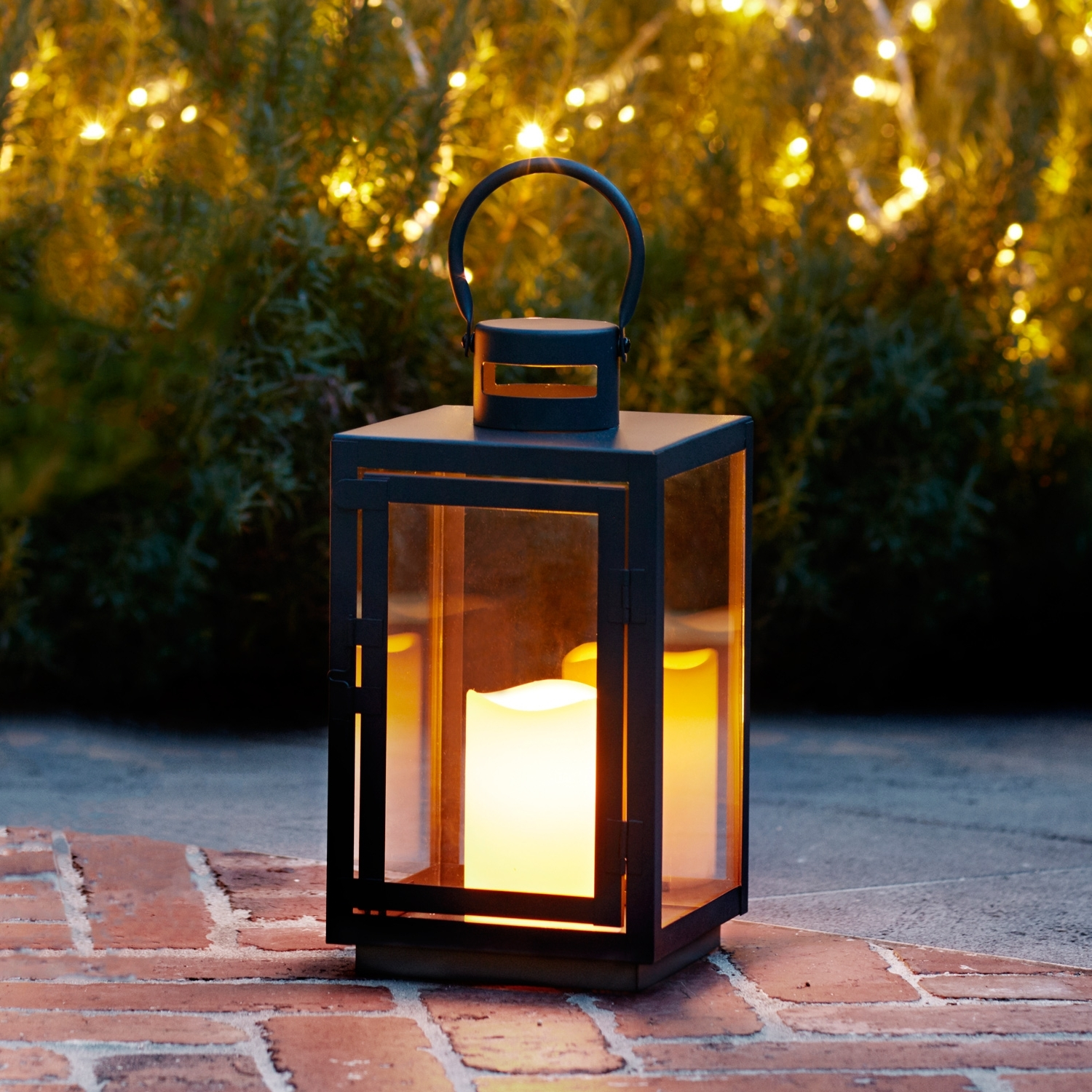 Outdoor Lanterns With Battery Operated Candles Pertaining To Favorite Lights4Fun, Inc (View 14 of 20)
