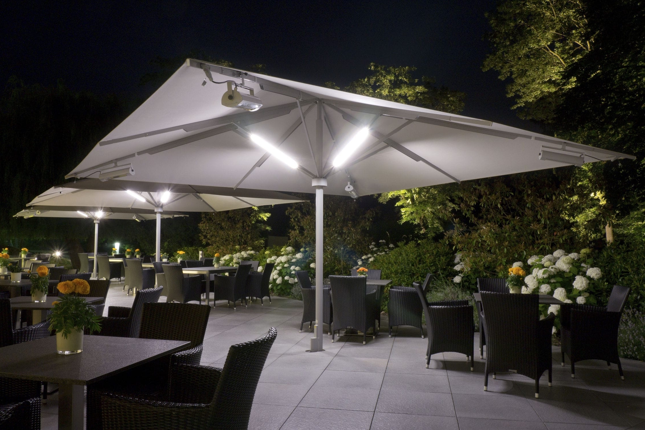 Patio Umbrellas With Solar Lights Within 2019 Best Patio Umbrella With Solar Lights And Speakers F71X About (View 14 of 20)