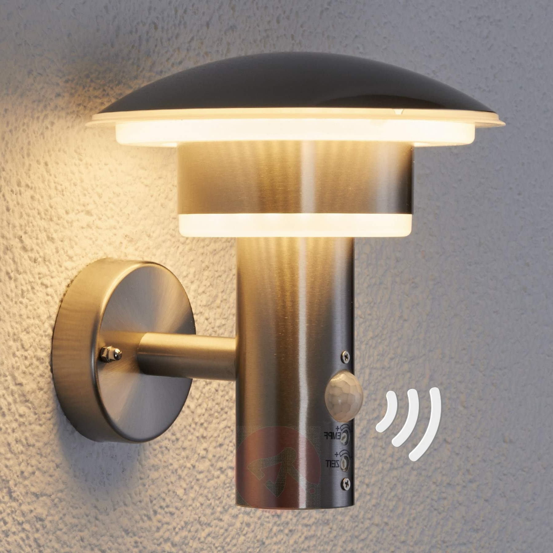 Pir Outdoor Wall Light Lillie With Leds (View 15 of 20)