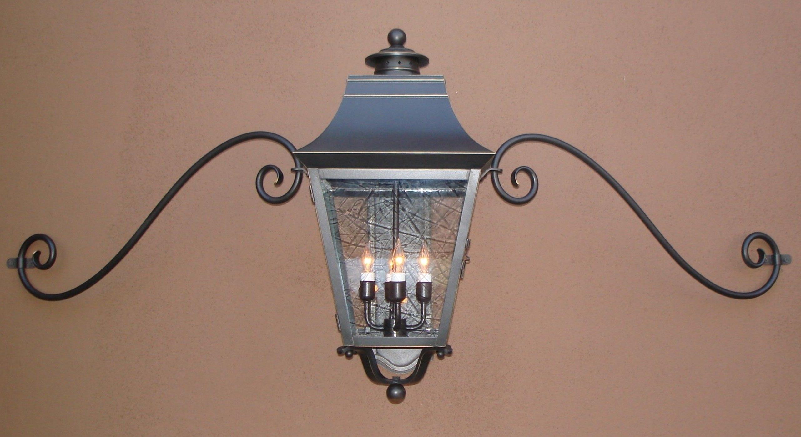 Popular Modern Outdoor Lanterns With Regard To Outdoor Garage Lights Above Doors Modern Outdoor Garage Lights (View 17 of 20)