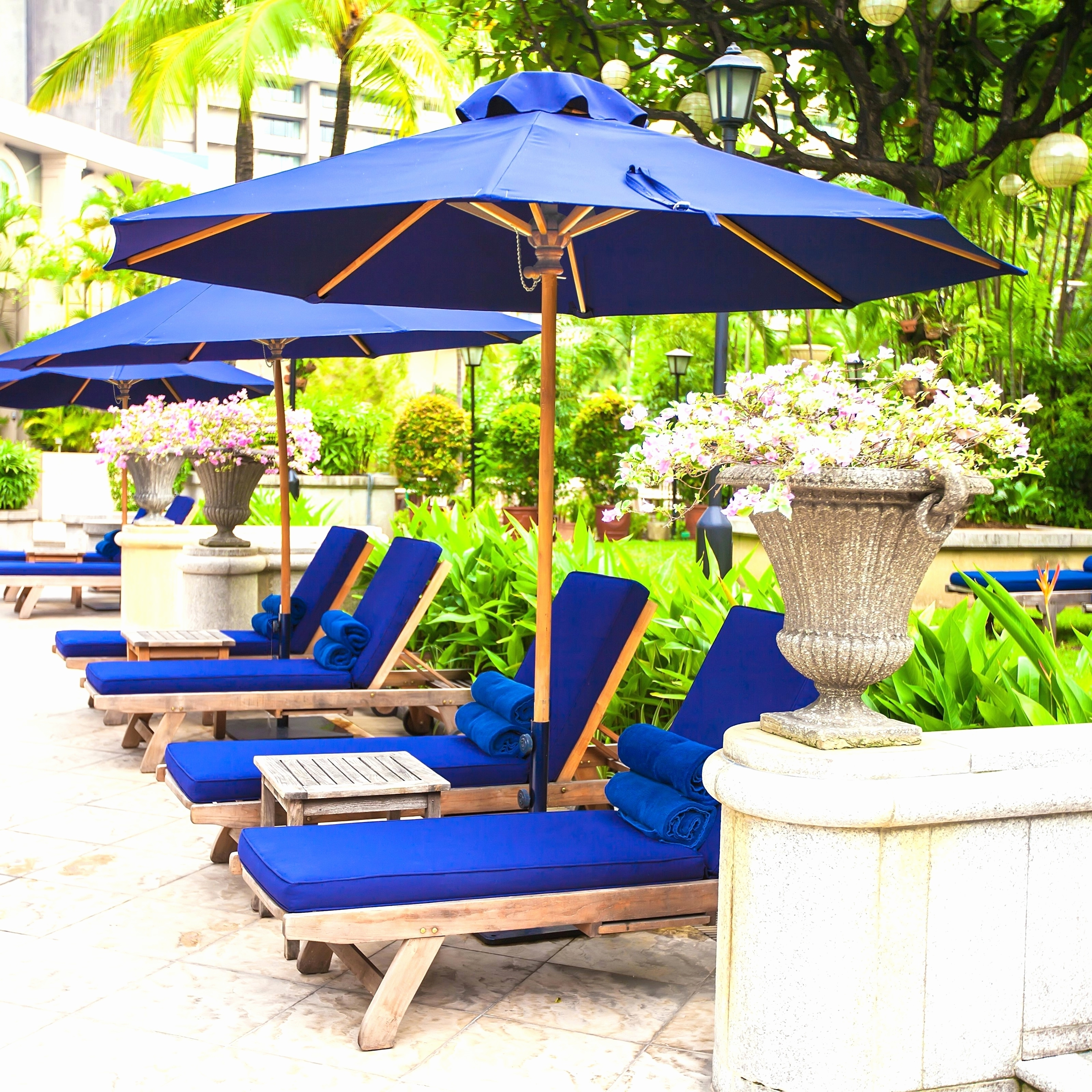 Popular Tips: Best Frontgate Umbrellas With Sunbrella Striped Patio Umbrella In Striped Patio Umbrellas (View 10 of 20)
