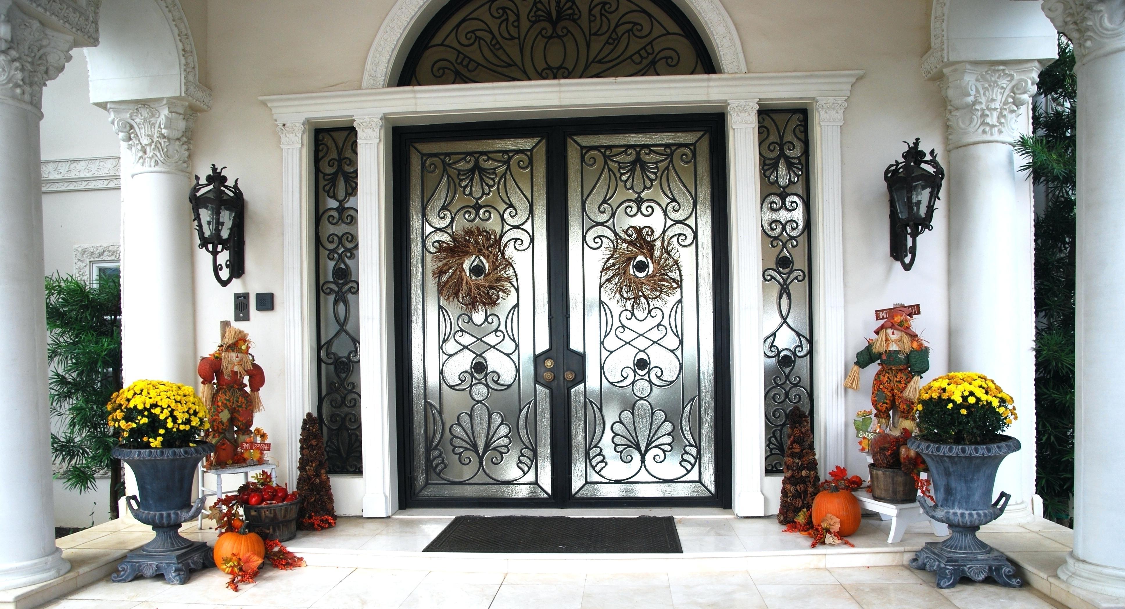 Preferred Outdoor Door Lanterns Inside Front Doors: Winsome Front Door Lantern Pictures (View 15 of 20)