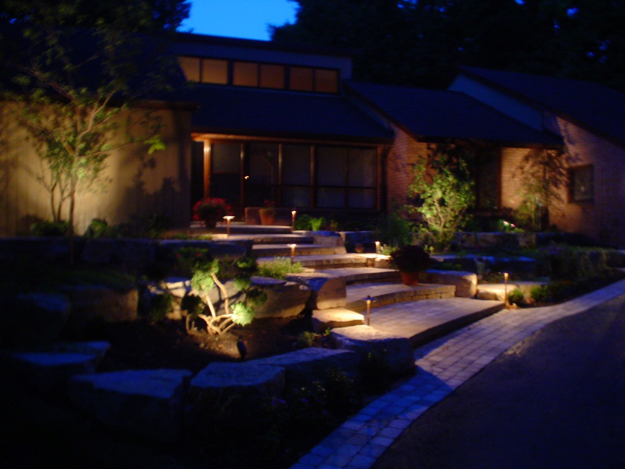 Recent Outdoor Low Voltage Lanterns With Backyard++Landscaping+Lighting (View 13 of 20)