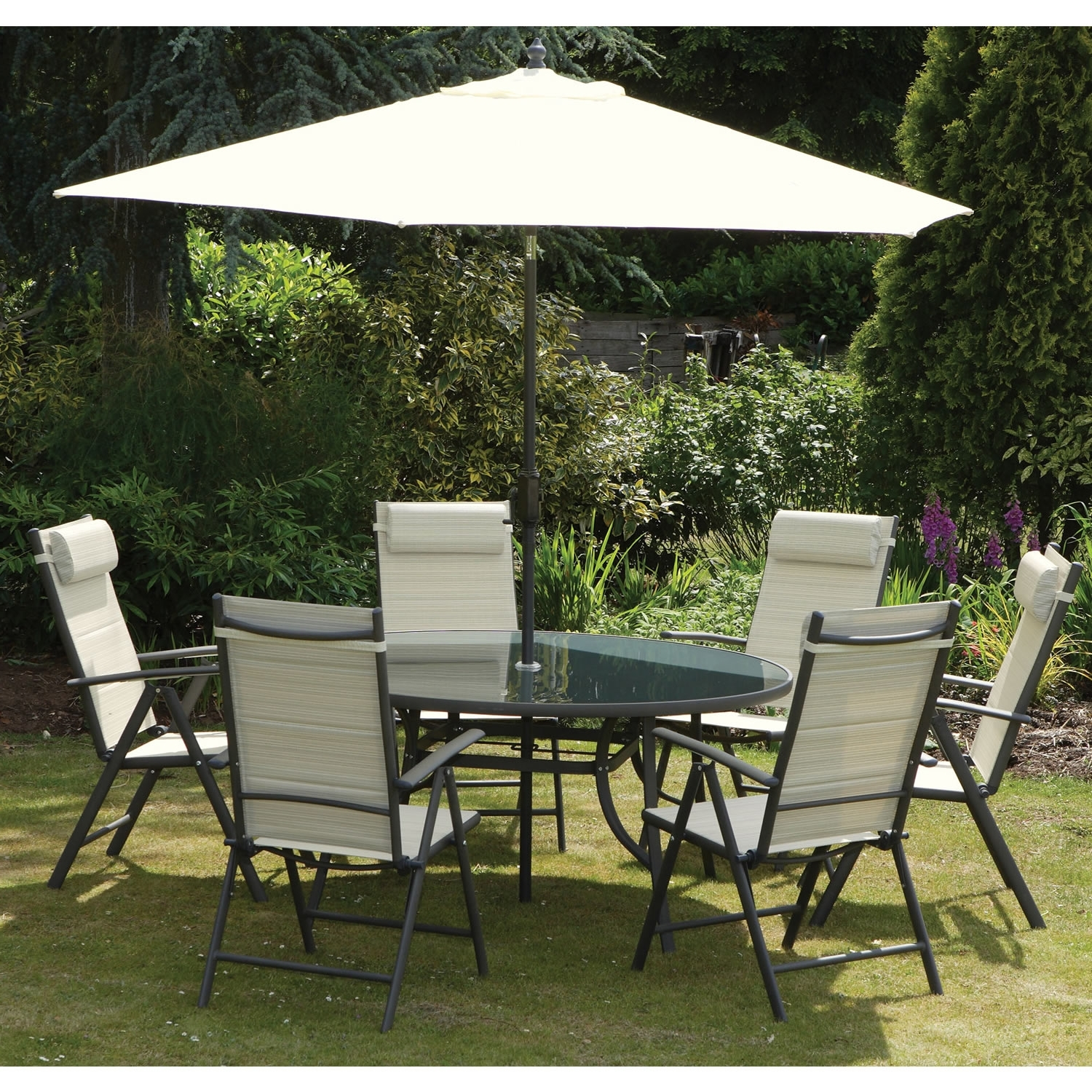 Recent Plastic Patio Furniture Sets Roselawnlutheran Intended For Patio Table And Chairs With Umbrellas (View 7 of 20)