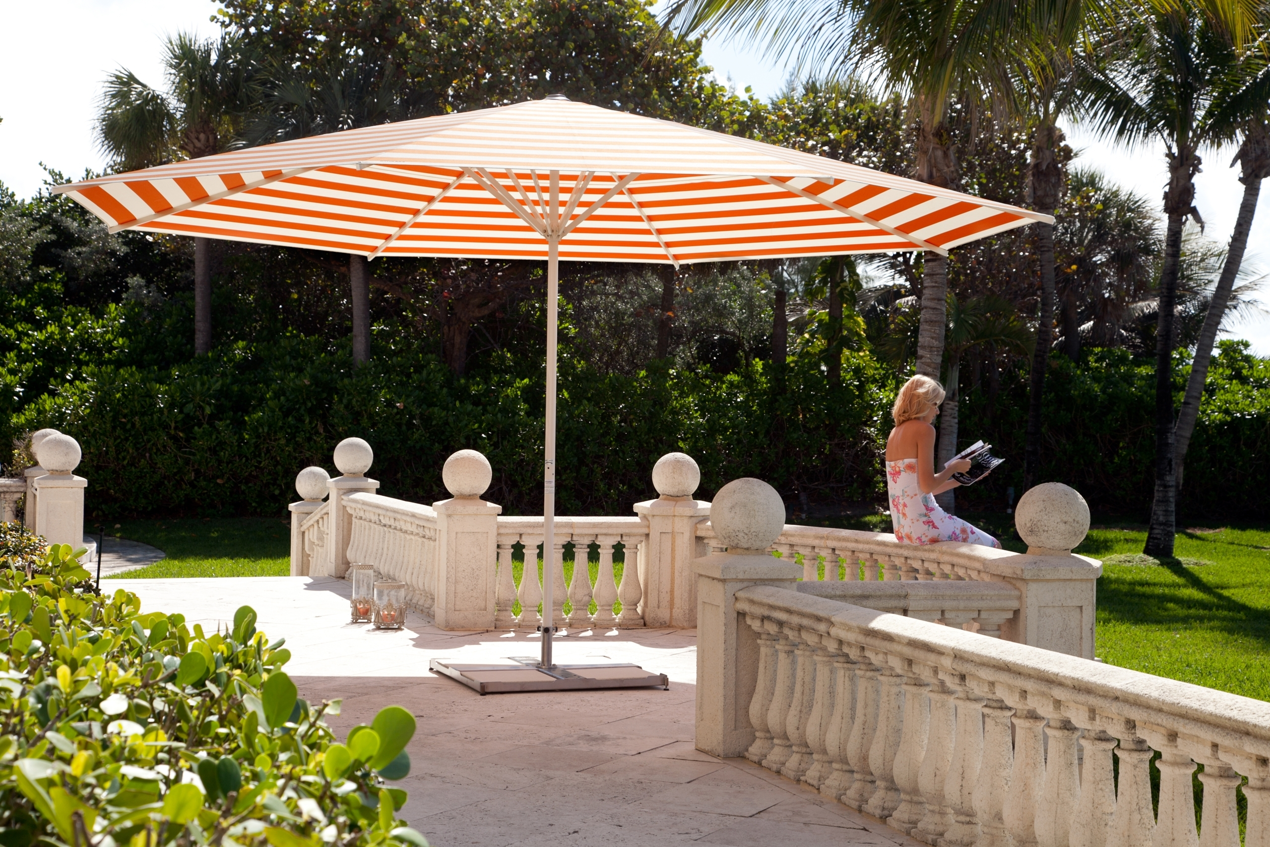 Round Dimension For Giant Patio Umbrellas With Regard To Well Liked Jumbo Patio Umbrellas (View 18 of 20)