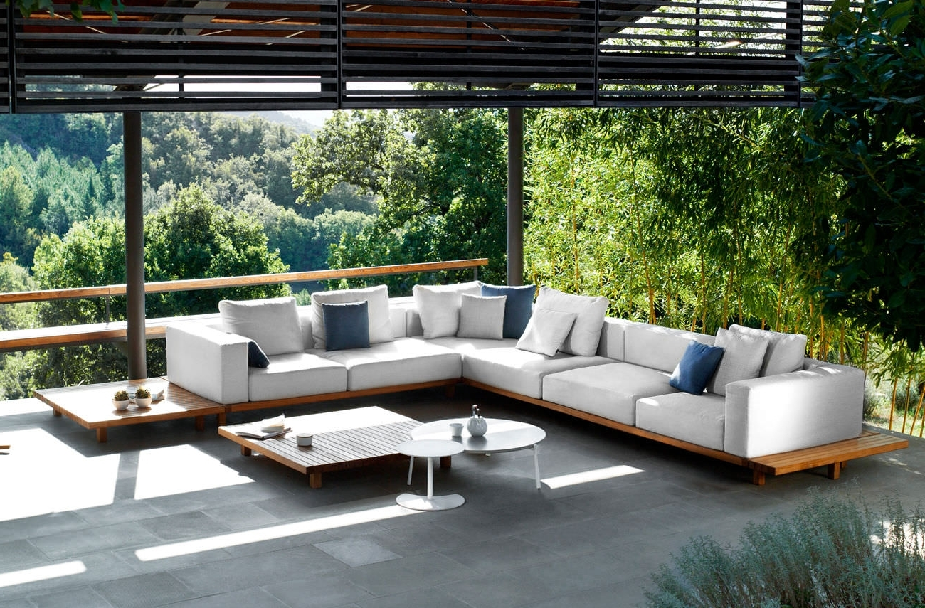 Teak Patio Furniture Vs Eucalyptus — Life On The Move With Regard To 2019 Upscale Patio Umbrellas (View 10 of 20)