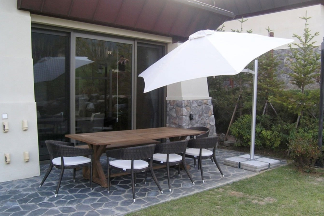 Trendy Choose The Right Wind Resistant Patio Umbrella – Vanilla Rose H&g With Patio Umbrellas For Windy Locations (View 18 of 20)