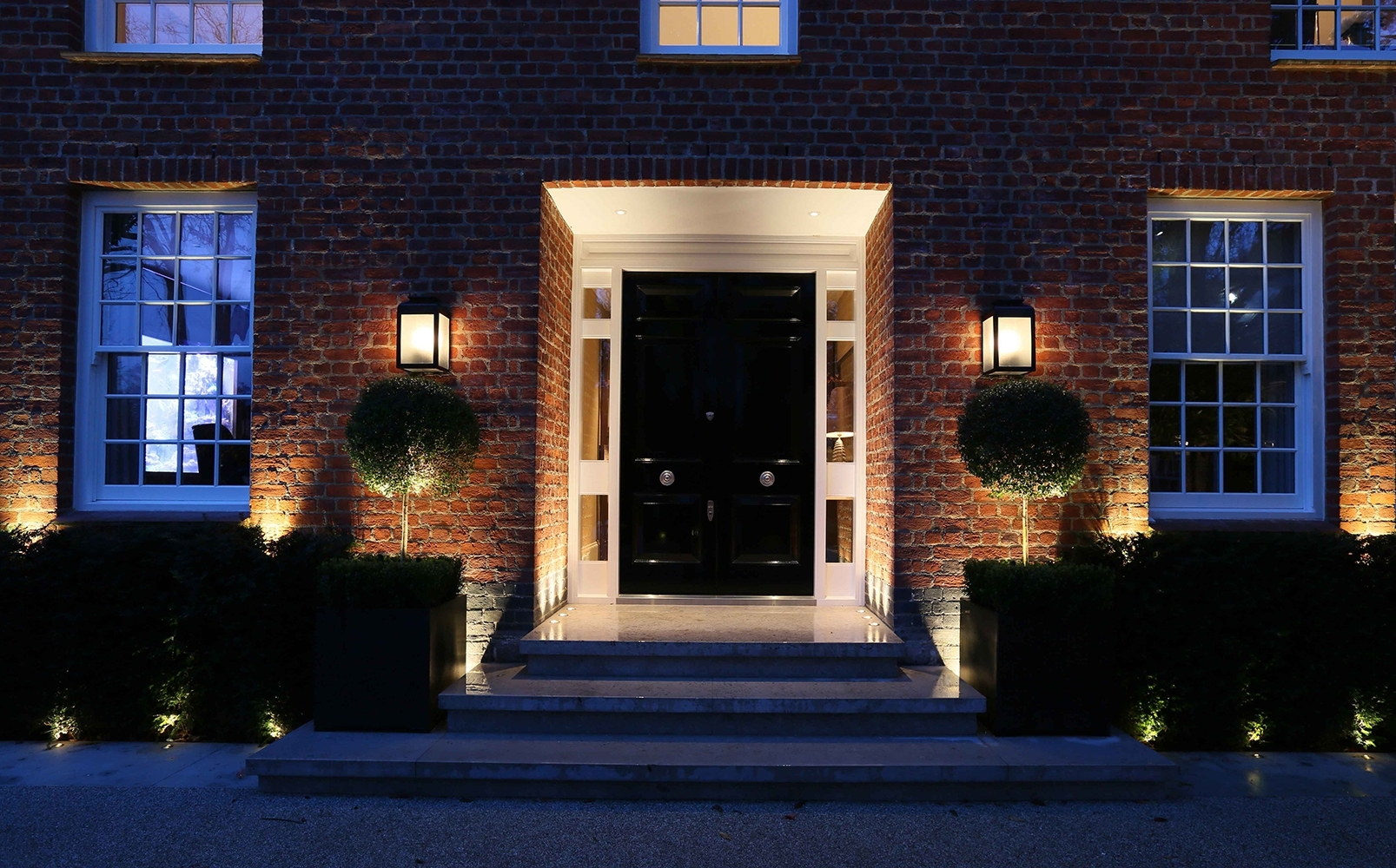 Trendy Outdoor Entrance Lanterns In Exterior Lighting – Design For Comfort (View 6 of 20)