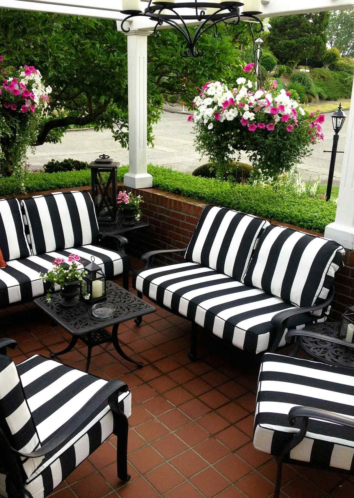 Trendy Striped Patio Umbrella – Popular Black And White Striped Deep With Black And White Striped Patio Umbrellas (View 18 of 20)