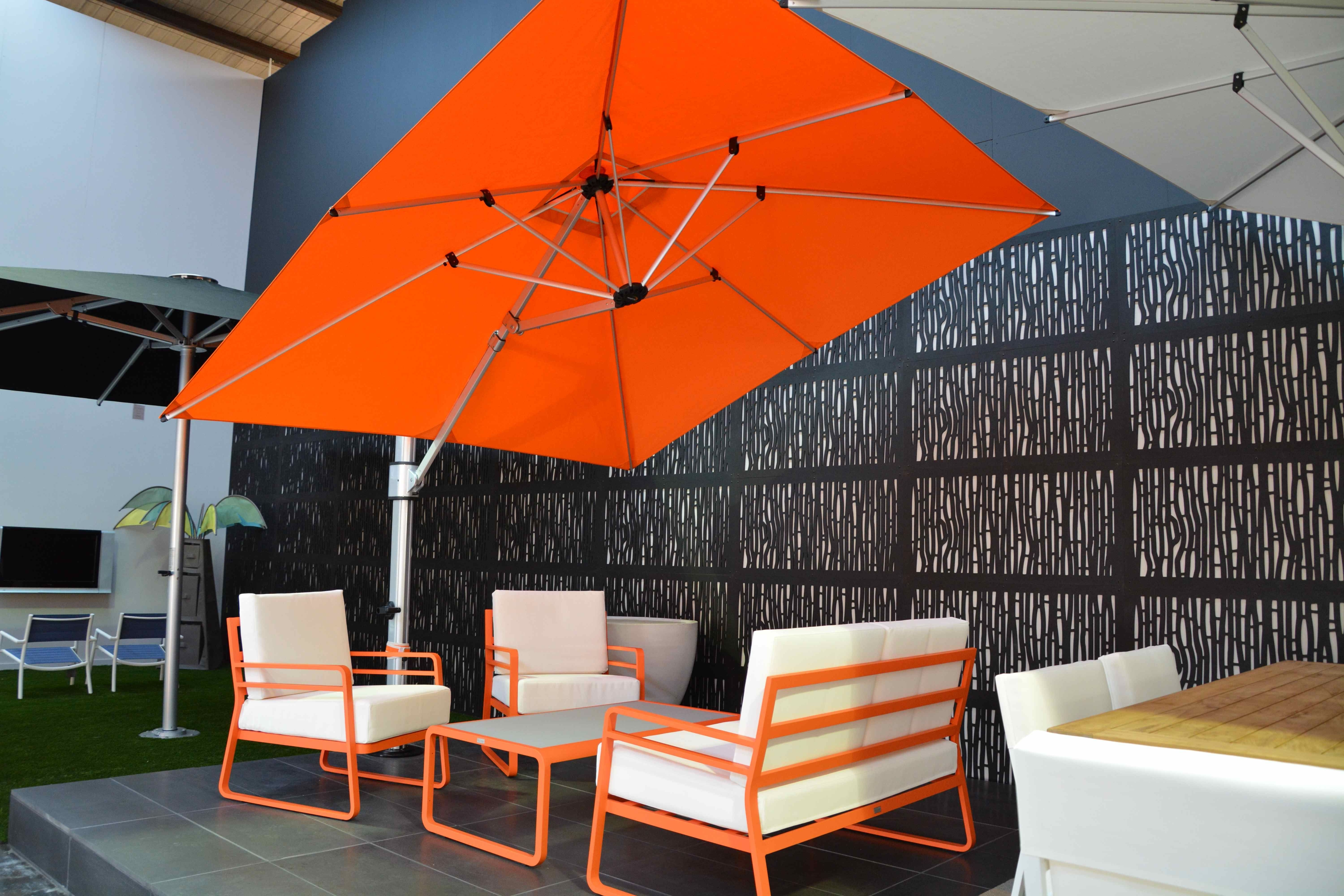 Use Cantilever Patio Umbrella For Your Outdoor And Garden: Modern Within Famous Rectangular Patio Umbrellas (View 9 of 20)