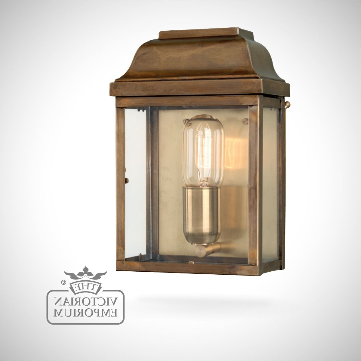 Victoria Wall Lantern – Antique Brass (View 14 of 20)