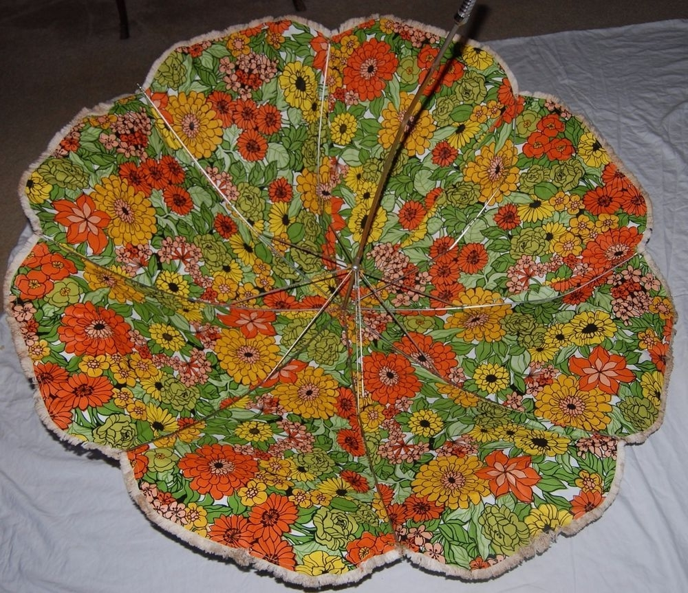 Vintage 50S Heavy Vinyl Patio Umbrella Olive Green Brown Gold Floral Intended For Preferred Vinyl Patio Umbrellas With Fringe (View 16 of 20)