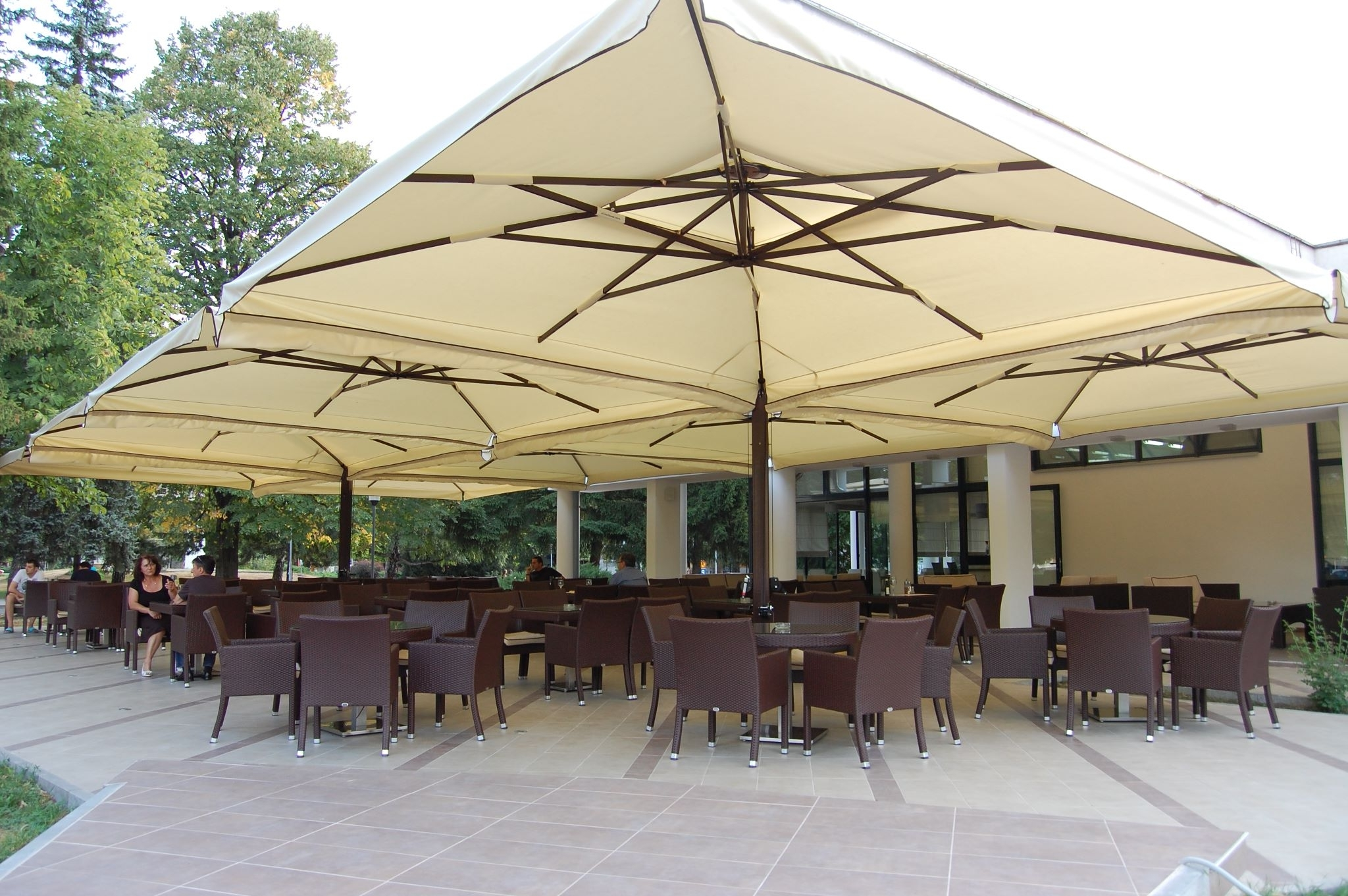 Well Known Commercial Patio Umbrellas For Restaurants, Resorts & Events With Regard To European Patio Umbrellas (View 2 of 20)