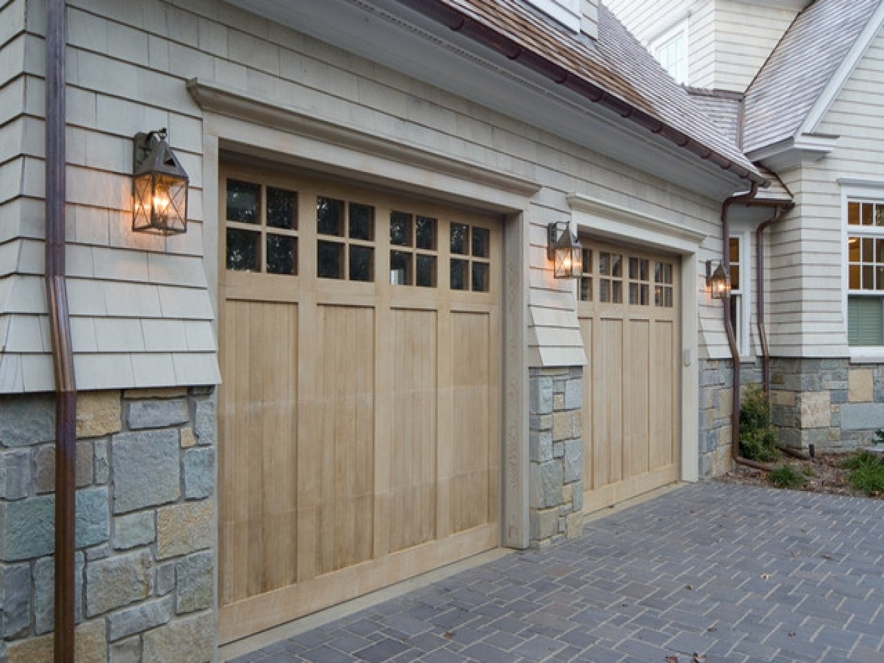 Well Known Outdoor Garage Spotlights Contemporary Outdoor Garage Lights Outdoor In Outdoor Lanterns For Garage (View 20 of 20)