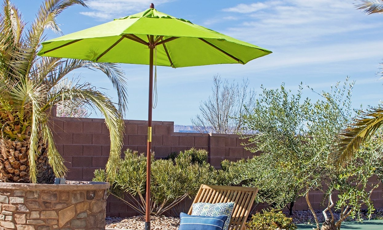 Well Known Patio Umbrellas With Wheels With Regard To Throwing Shade: Find The Right Patio Umbrella – Overstock (View 16 of 20)