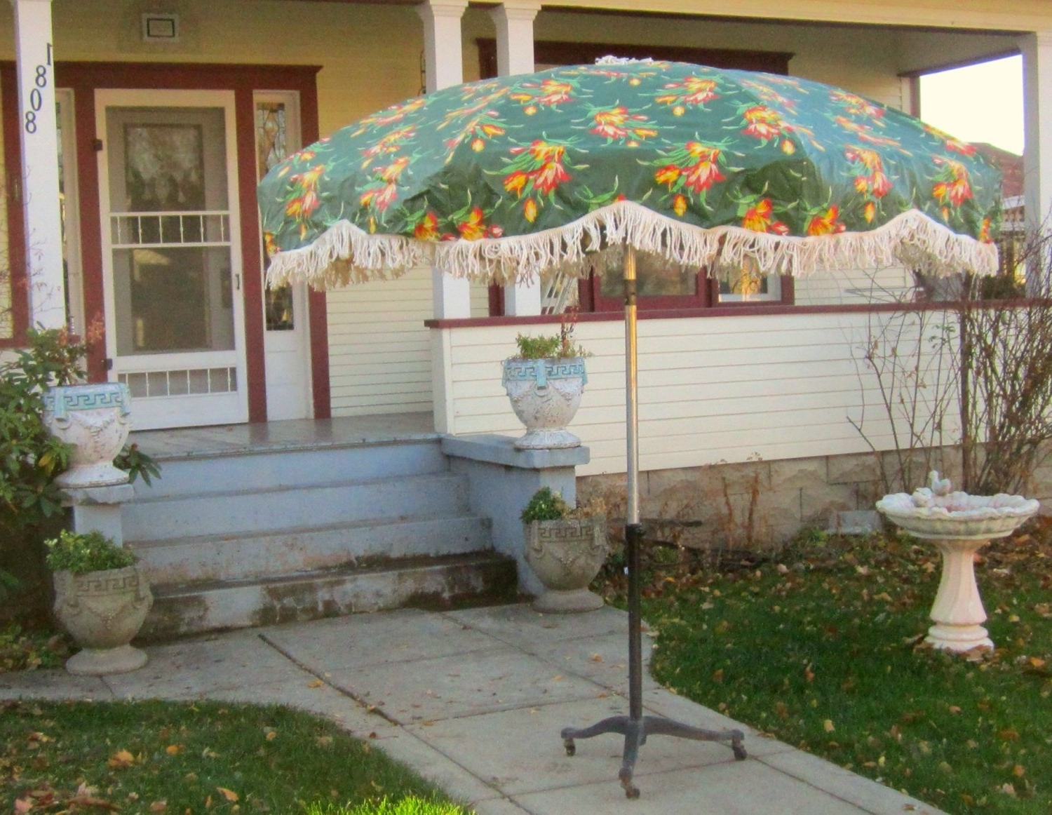 Well Known Vinyl Patio Umbrellas With Fringe With Regard To Vinyl Patio Umbrellas With Fringe (View 20 of 20)