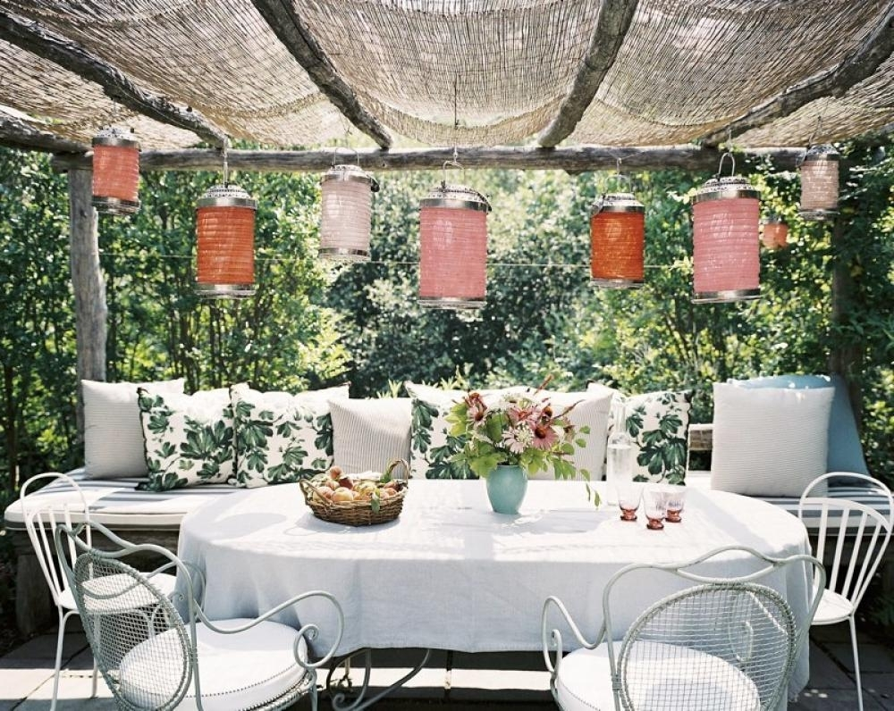 Well Liked Indoor Garden Lanterns Pergola Outdoor Dining Area Olpos Design Inside Outdoor Dining Lanterns (View 20 of 20)