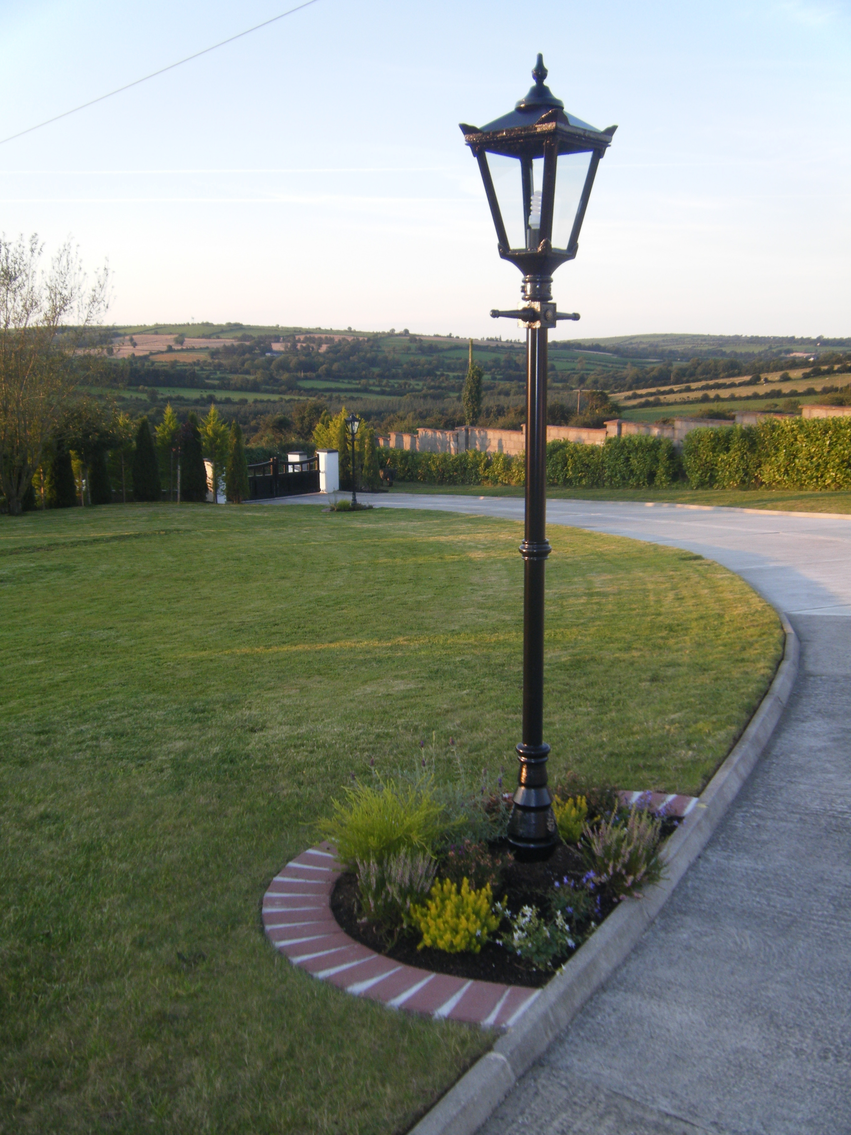 Well Liked Outdoor Wall Lighting Led Solar Lights Driveway Powered Landscape For Outdoor Driveway Lanterns (View 7 of 20)