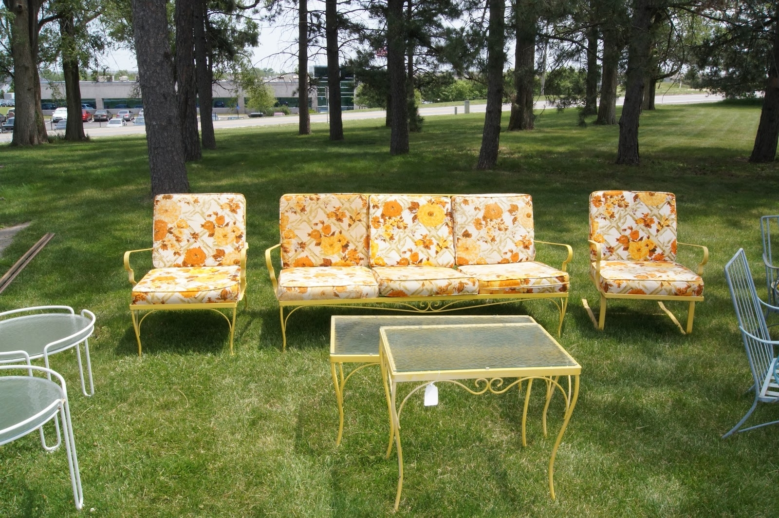 Widely Used Decor Of Retro Patio Chairs Vintage Iron Patio Furniture Enter Home With Vintage Patio Umbrellas For Sale (View 8 of 20)